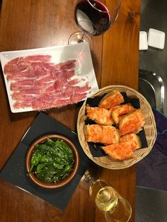 We have everything you need to know about travelling to Spain. We will share what makes Spanish food so delicious and what makes our tapas so tasty! #ilivespain #tapas #foodietravel #spain