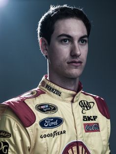 Joey Logano #22 Phoenix 9th chase race results. Started: 3rd Finished: 9th, stayed 9th, -97 points behind 1st