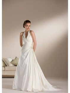 A-Line/Princess Halter Top Chapel Train  wedding dress for brides 2010 Style(WDS0080)