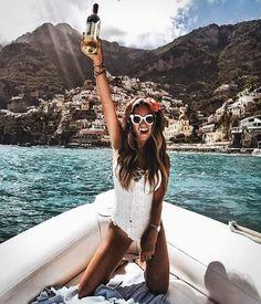 10 So Hot Swimsuit Trends of Summer 2019 Summer Beach, Summer Vibes, Summer Ootd, Spring Summer, Lake Pictures, Boating Pictures, Boat Fashion, Fashion Fashion, Fashion Tips
