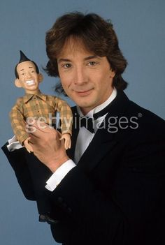 I'm going mental I must say, Ed Grimly talking doll with Martin Short. Gimmi a break. Golden Age Of Hollywood, Hollywood Stars, Old Photos, Vintage Photos, Martin Short, Old Tv Shows, Celebs, Celebrities, Man Humor