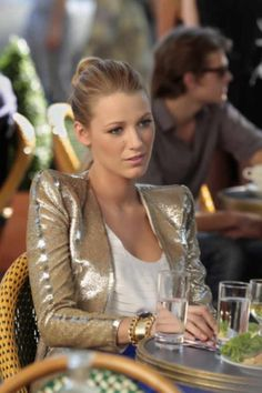 Not a star gazer by nature, but blake lively is both classy and trendy, which I wish I could pull off half as well