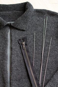 Installing a zipper into a knitted sweater tutorial