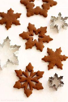 gingerbread cookies (in Polish) Pierniczki z melasą i imbirem, na świąteczne ozdoby | Bea w Kuchni