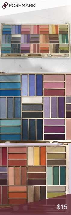 INSTINT MULTI COLOR PALLET DEEP PIGMENTED INSTINCT MAKEUP PALLET. EYESHADOW COLLECTION. BRAND NEW NEVER USED Icing Makeup Eyeshadow