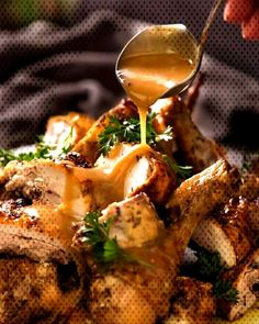 CRISPY Herb Baked Chicken with Gravy (easy roast chicken! Italian Baked Chicken, Easy Roast Chicken, Beer Cheese Soups, Recipe Tin, Broccoli Stir Fry, Soft Pretzels, Gravy, Chicken Wings, Fries