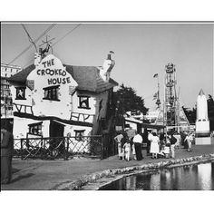 Photographic print of the Crooked House at Southend. The times I went in here - it was so cool!