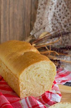 Pan bauletto di semola rimacinata con lievito madre – Impastando a quattro mani Sandwiches, Pizza, Bread, Mani, Baking, Recipes, Food, Brioche, Patisserie