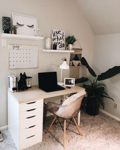 147 inspiring home office organization ideas 107 Wohnaccessoires Teen Room Decor Ideas home Ideas Inspiring Office organization Wohnaccessoires Study Room Decor, Cute Room Decor, Room Ideas Bedroom, Office In Bedroom Ideas, Desk In Bedroom, Hallway Ideas, Teen Room Decor, Bedroom Inspo, Office Ideas For Home