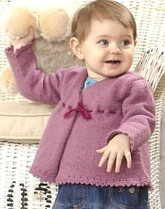 Børn 0-4 år: Slå-om-trøje - dansk strikkeopskrift