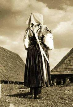 Polomka, Slovakia Central Europe, Eastern Europe, Fairy Tales, Raincoat, Folk Clothing, Embroidery, Vintage, Sweet, Painting