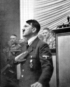 Dramatic Photos - Hitler addresses the Reichstag, 1939 Dramatic Photos, Propaganda Art, Germany Ww2, The Third Reich, German Army, Rare Photos, World History, World War Two, Wwii