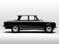 ALFA ROMEO GIULIA La Giulia è un'autovettura berlina prodotta dall'Alfa Romeo tra il 1962 ed il 1977.