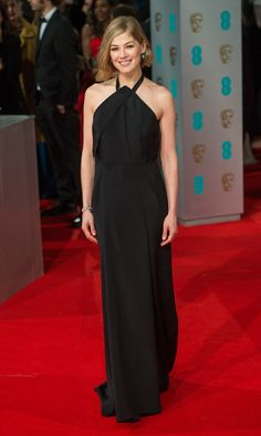 Rosamund Pike in Roland Mouret- BAFTA Awards 2015: The Best Dressed Celebrities from the Red Carpet – Vogue
