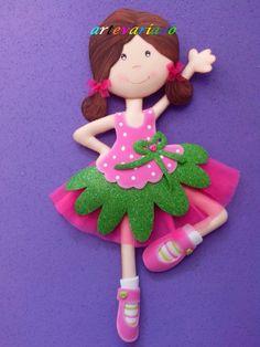 Bailarina de goma Eva.