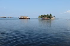 Best Time To Visit Alappuzha Houseboat Kerala Tourism - Travel Guide India Kerala Tourism, Travel Guide, Travel Destinations, Boat, India, Water, Outdoor, Road Trip Destinations, Gripe Water