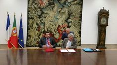 Le Secrétaire d'Etat chargé du Budget, ChristianEckert, s'est rendu à Lisbonne jeudi dernier,pour signer avec son homologue, Fernando António Portela Rocha de Andrade, unavenant à la convention fiscale du 14 janvier 1971 qui lie les deux pays. ...