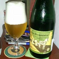Cerveja La Vermontoise, estilo Saison / Farmhouse, produzida por Hill Farmstead Brewery, Bélgica. 6% ABV de álcool.