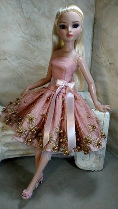 Golden Floral Fantasy fits Ellowyne Wilde, Tonner Antoinette and Kingdom doll by GinOCouture on Etsy https://www.etsy.com/listing/270724000/golden-floral-fantasy-fits-ellowyne