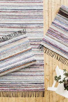 Aiheeseen liittyvä kuva Rag Rugs, Carpets, Beach Mat, Outdoor Blanket, Weaving, Home Decor, Farmhouse Rugs, Rugs, Decoration Home