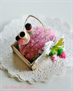 This adorable pin cushion is made with Pei Li's beautiful and chic french rustic tray. Clothespin Bag, Berry Baskets, Needle Book, Pincushions, Sewing Notions, Pretty Little, It Hurts, Berries, Tray