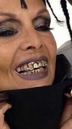 . Kobe, Gold Grill, Gold Teeth, Grillz, Your Smile, Celebrities, Sneaker, Celebs, Foreign Celebrities