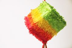Make fun and bright mini piñatas before your big Cinco de Mayo celebration. or any other party worthy of a pinata! Mini Pinatas, Diy Piñata, Homemade Pinata, Diy For Kids, Crafts For Kids, Umbrella Wreath, Crepe Paper Streamers, Tissue Paper, Mexican Crafts