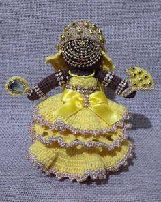 Amigurumi - Oxum no Elo7 | TAIARA FREITAS (C51029) Orisha, Crochet Crafts, Santa, Bling, Dolls, Knitting, Diy, Accessories, Wire Crafts