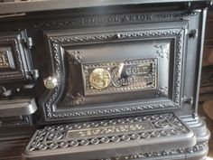 Antique Stove Hospital - Forty years of experience in restoring wood, coal, and gas stoves. Coal Gas, Coal Stove, New Stove, Antique Kitchen Stoves, Antique Wood Stove, How To Antique Wood, Stove Parts, Restore Wood, Selling Antiques