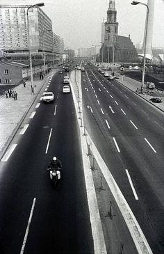 1976 Karl Liebknecht Strasse, Berlin Mitte. *** bevor das Palast Hotel gebaut…