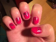 A hot pink mani with glitter accent to perk up a dreary Monday morning!
