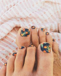 Tropical Toes in the Sand - Nail Art