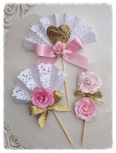 Sweet Pink and Gold Cupcake Toppers for Mother's Day Decoration and Mother's Day Party Mother's Day Ornament Paper Doily Crafts, Doilies Crafts, Paper Doilies, Diy And Crafts, Crafts For Kids, Gold Cupcakes, Mothers Day Crafts, Holidays And Events, Cupcake Toppers