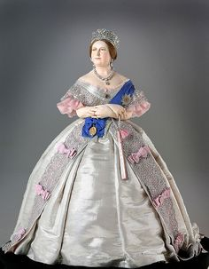 Queen Victoria Doll    Photo courtesy of the Gallery of Historical figures (http://www.galleryofhistoricalfigures)