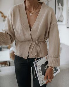 Spring Fashion Tips .Spring Fashion Tips Mode Outfits, Winter Outfits, Casual Outfits, Fashion Outfits, Fashion Tips, Modest Fashion, Fashion Ideas, Looks Street Style, Looks Style
