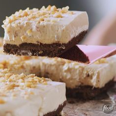 Recipe of the Day: Healthy No-Bake Peanut Butter Cheesecake Bars With a sweet chocolate crust, a creamy peanut butter cheesecake layer and a sprinkling of salty peanuts on top, these bars have it all. But perhaps the best thing about 'em is that you don't even have to heat up the oven. Even the crunchy crust comes together with just a little microwaving.