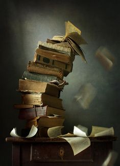 I love reading books so much Old Books, Antique Books, Vintage Books, Still Life Photography, Book Photography, I Love Books, Books To Read, Photos Amoureux, World Of Books