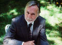 Μωσαϊκό: Μπάρι Άνσγουορθ (1930 – 2012)