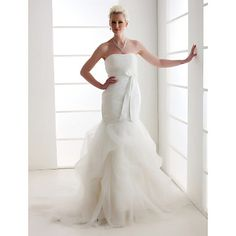 Alluring Trumpet/Mermaid Strapless Court Train Organza Wedding Dress  – EUR € 121.68
