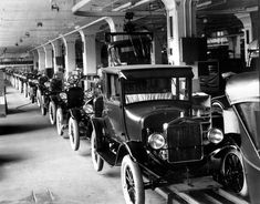 In Henry Ford created the assembly line which revolutionized industrial advancements in the U. The assembly line made the creation of products quicker and less expensive. Ford Motor Company, Henry Ford, Vintage Cars, Antique Cars, Vintage Auto, Vintage Ideas, Retro Cars, Vintage Pictures, Autos Ford