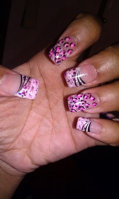 If I was in to fake nails I would totally get these!