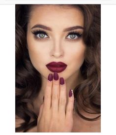 makeup, beauty, green eyes, bordeaux lips and nails, fall make up.