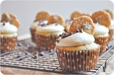 Lemon Sugar: Milk & Cookies Cupcakes