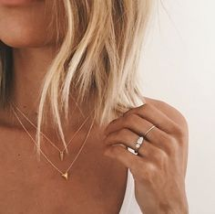dainty gold necklace
