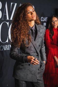 ash ld greit — I repeat girls don't want man, they want Zendaya Zendaya Coleman, Zendaya Outfits, Zendaya Style, Zendaya Model, Style Outfits, Cool Outfits, Moda Zendaya, Pretty People, Beautiful People