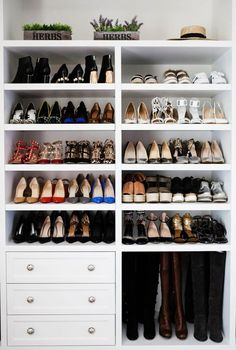 Trendy bedroom storage ideas for small spaces closet entryway ideas Closet Shoe Storage, Closet Shelves, Bedroom Storage, Diy Storage, Storage Ideas, Diy Organization, Shoe Racks, Shoe Closet Organization, Organizing Tips