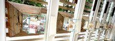 Detalhe das vetrines, como joias, para fabrica e loja de massa fresca. Cristal + ipe rosa de demolicao.