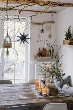 Christmas decoration and a quick DIY, pomponetti # Christmas decoration # Christmas . - Wonderful Home Design and Project Minimal Christmas, Natural Christmas, Scandinavian Christmas, Rustic Christmas, Winter Christmas, Christmas Home, Christmas Crafts, Victorian Christmas, Outdoor Christmas