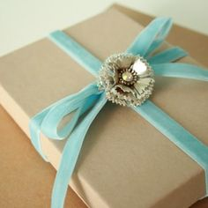 Lush Fab Glam: Holiday Gift Wrapping Ideas: 7 Fabulous Ways To Embellish Your Gift.