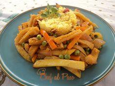 Plato elaborado con mondongo, papas fritas, arvejas, zanahorias, delicioso!
